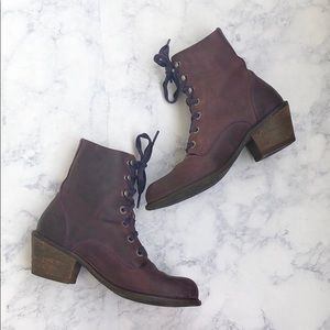 John Fluevog Adriana Nuni Purple Lace Up Boots 7.5
